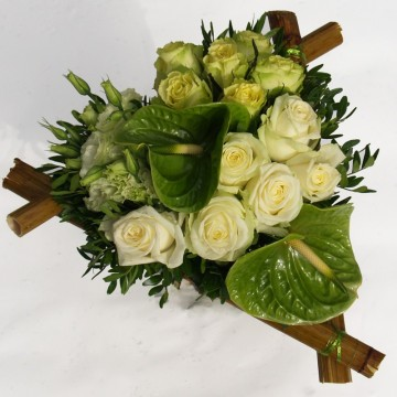 Bouquet de deuil triangle